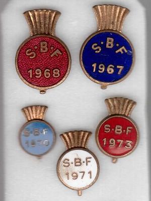 """2001-018-015; badge; """"Scottish Bowling Federation"""""""