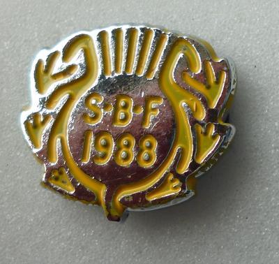 """2001-018-016; badge; """"Scottish Bowling Federation"""""""