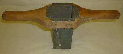 1980-042-003; punch