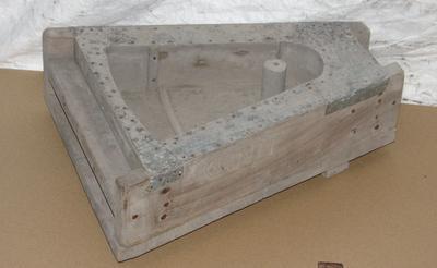 1980-042-001; mould; brick