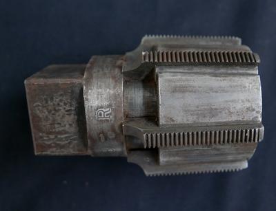 1979-025-305