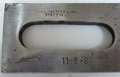 1985-054-040/005; iron; cutting