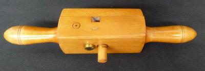 1985-054-045; screw box
