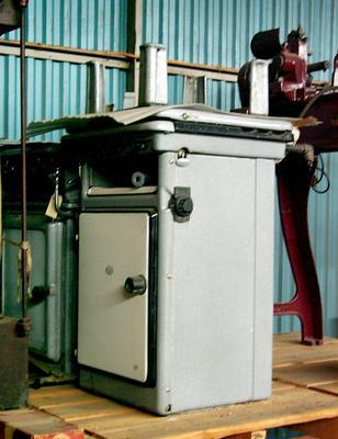 1988-095-001; cooker; gas
