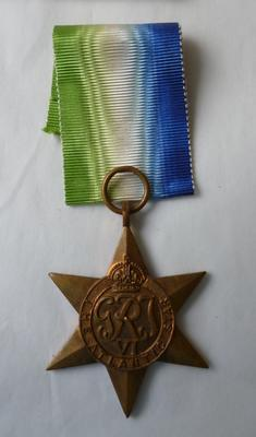 "2003-048-003; medal; ""Atlantic Star (1939-1945)"""