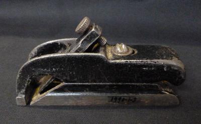 1990-001-003