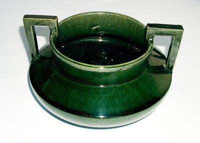 1977-032-033