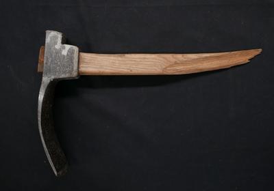 1987-119-018; adze; carpenter's
