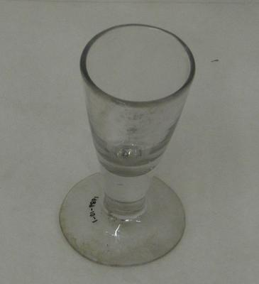 1989-010-001; glass