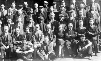 P17194; Falkirk Power Station workers
