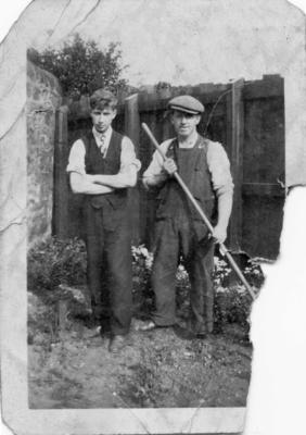 P45954; George Mitchell and his younger brother