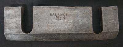 1977-033-082