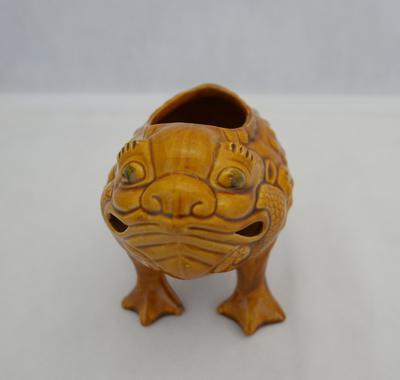 2005-020-161; toad; grotesque