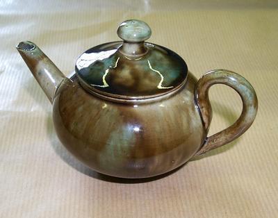 2005-020-162; teapot; miniature