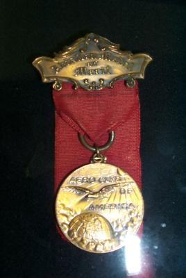 "2007-015-002; medal; ""Aviation Medal of Merit"""