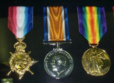 """2007-015-004; medal; """"1914-1915 Star"""""""