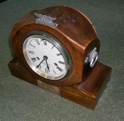 2007-015-009; clock; presentation