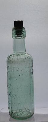 1976-025-004