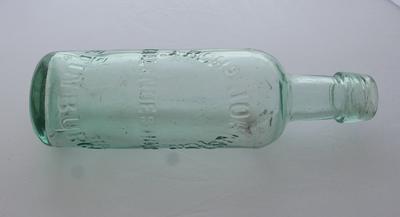1993-044-001