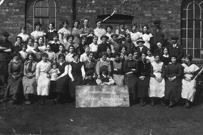 """P14295; """"Munitions Workers, Abbots Foundry Co, 26/4/1916"""""""