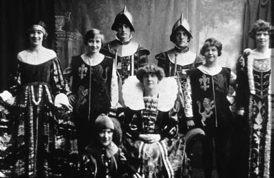 "P03117; Bo'ness Operatic Society.  Cast of ""Merrie England"""