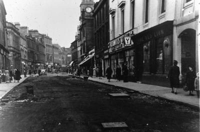P02342; Replacing the cobbles, High Street, Falkirk
