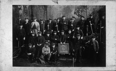 P01968; Shipbreaking workers, Bo'ness