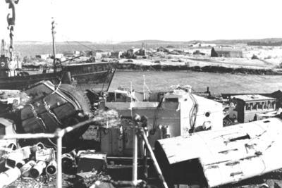 "P02068; Steam trawler ""Avondon"" in shipbreaking yard"