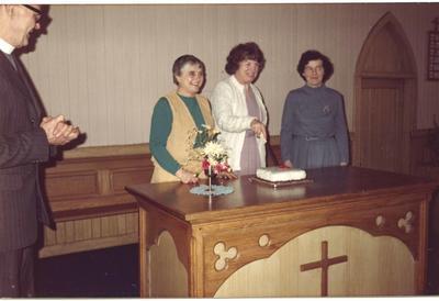 P45926; Cutting anniversary cake, Blackbraes Church